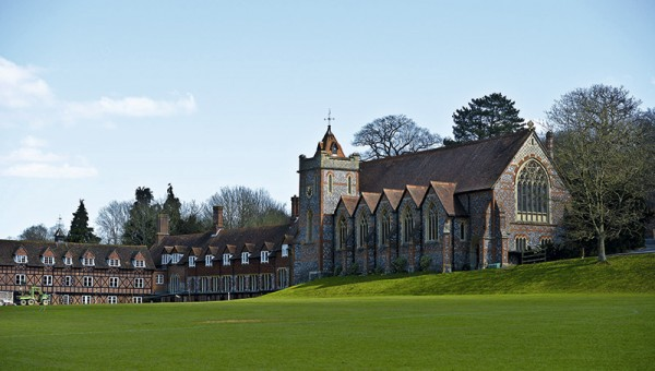 BRADFIELD COLLEGE – INGLATERRA